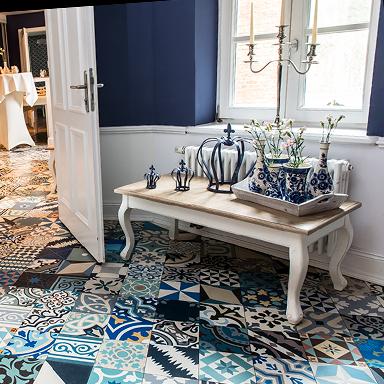 Zementfliesen Patchwork in luxuriösen wohnzimmer