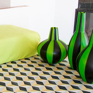 Plancher de carreaux de ciment hexagonal dans un salon